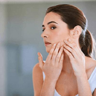 Peeling químico e hidrafacial